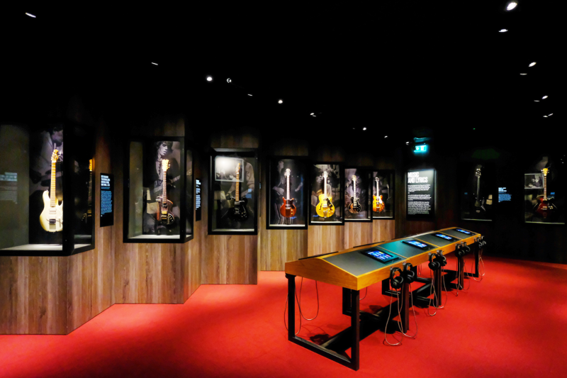 Rock 'n' roll through the Rolling Stones' Exhibitionism - the Culture Trip