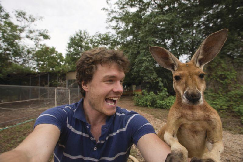 CLOSED BRIEF: Take a 'Hi Mate' selfie and win $250 AUD per clip