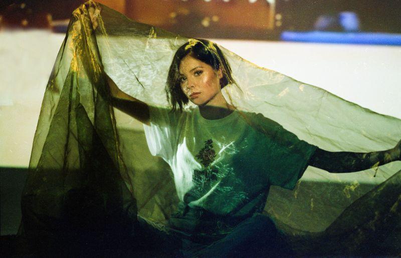 Nina Nesbitt - Stills Artwork