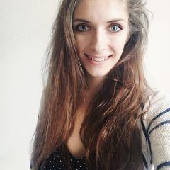 Kat R.