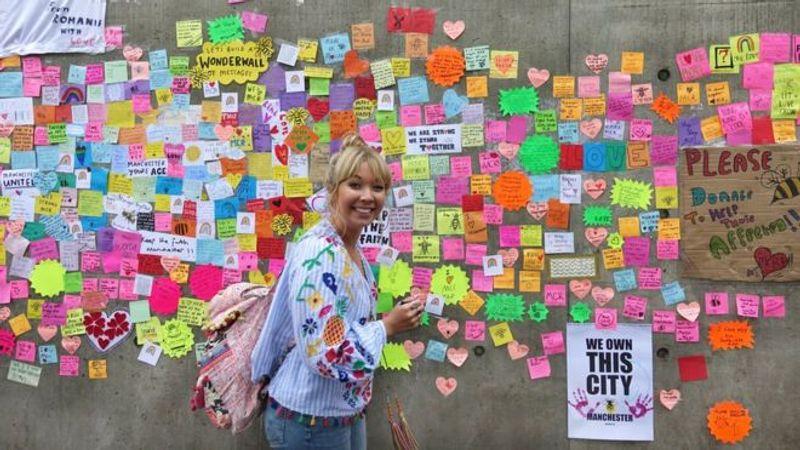 Manchester attack: 'Wonderwall' of messages brightens city