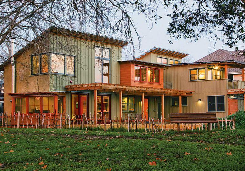 Outsite Santa Cruz / Green House