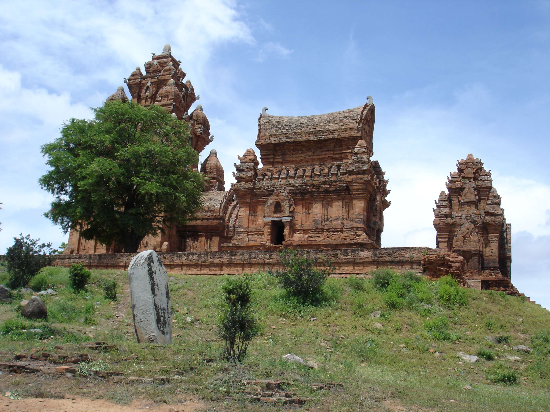 vietnam private tours the dots