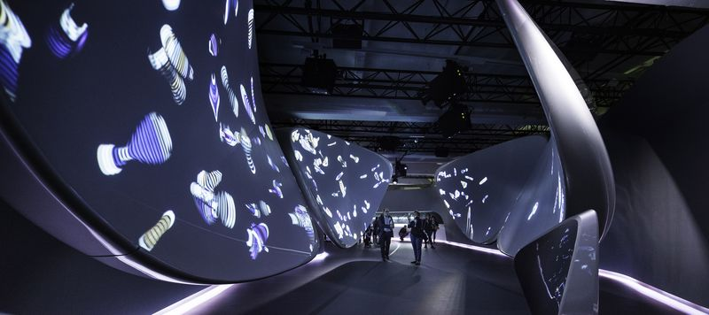 Samsung Galaxy S8 launch at Milan Design Week: an interactive installation with Zaha Hadid Architects