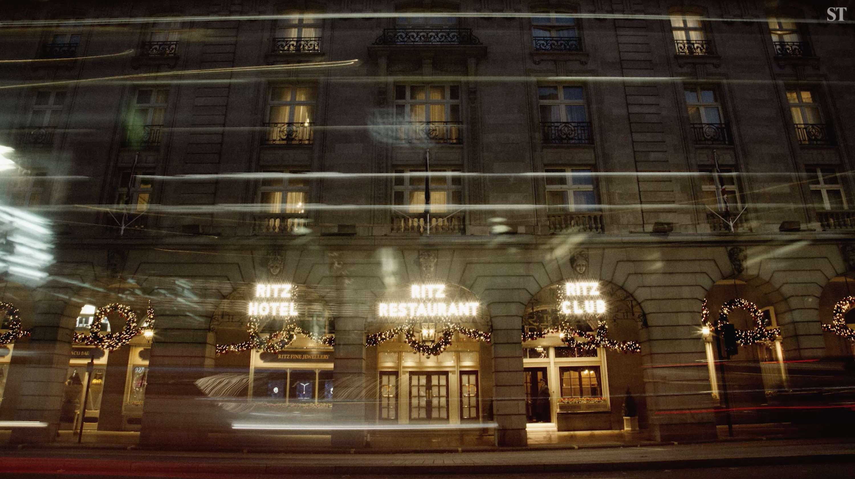 Christmas At The Ritz London.The Ritz London Christmas Tree The Dots
