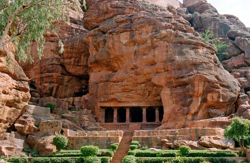 Adorable Sightseeing Places In Hampi