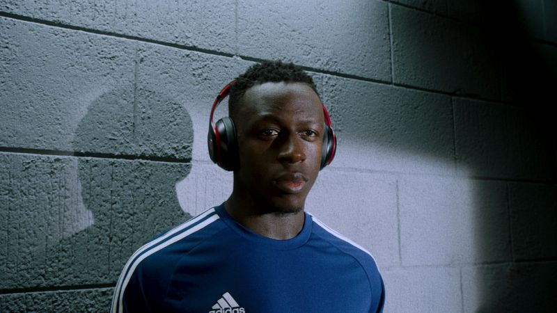 Apple: Beats by Dre World Cup