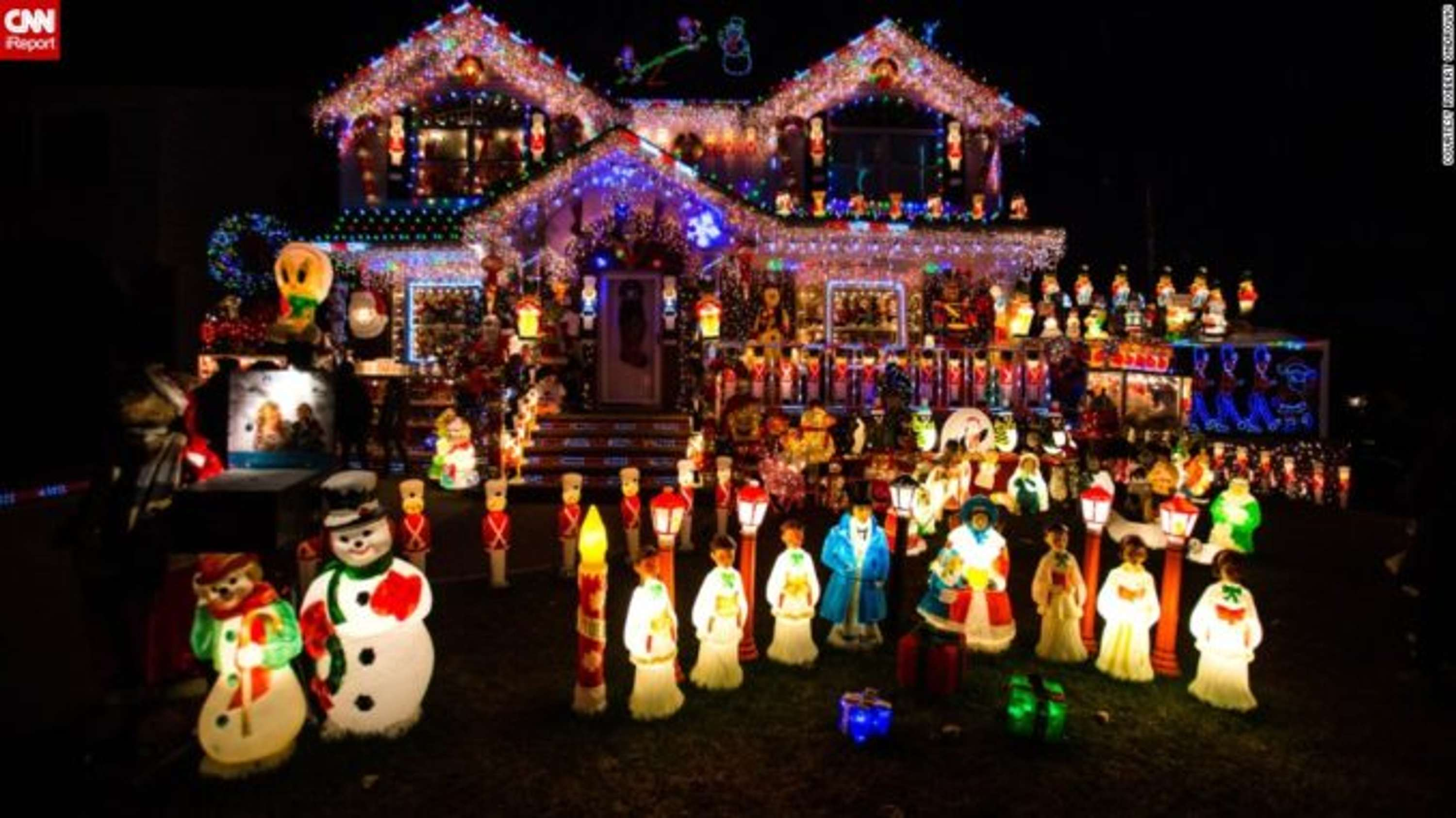 people who put up christmas decorations early are happier says expert
