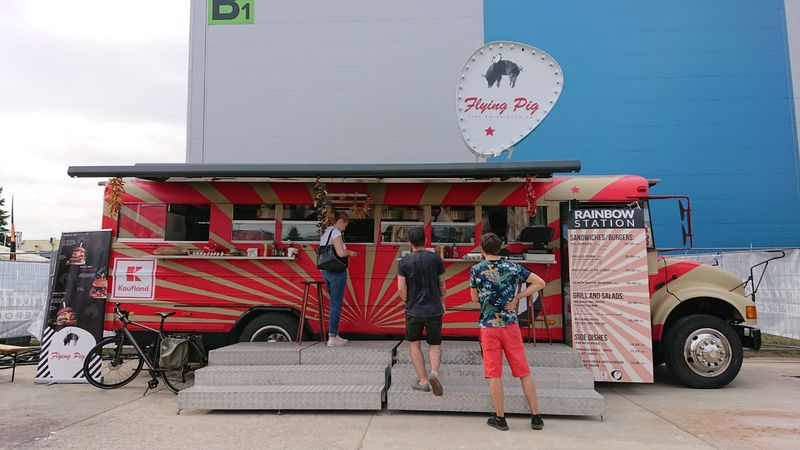 Flying Pig & Kaufland Food-Bus artwork