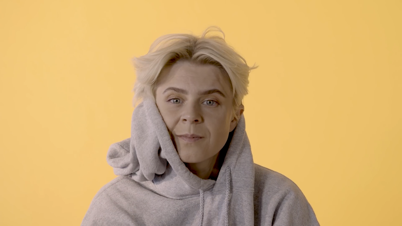 Robyn recites AI-generated poetry