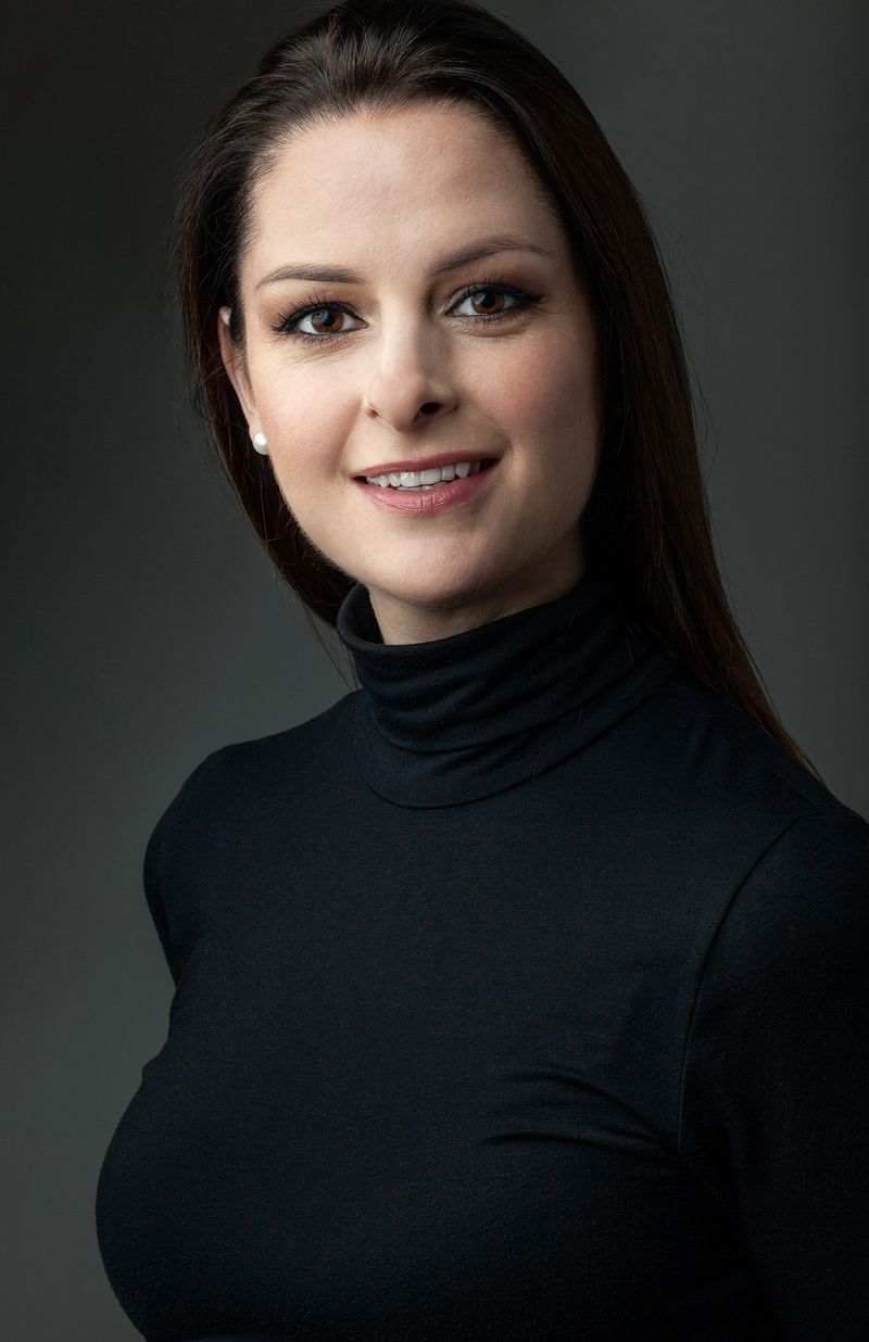 Head shot of Jess