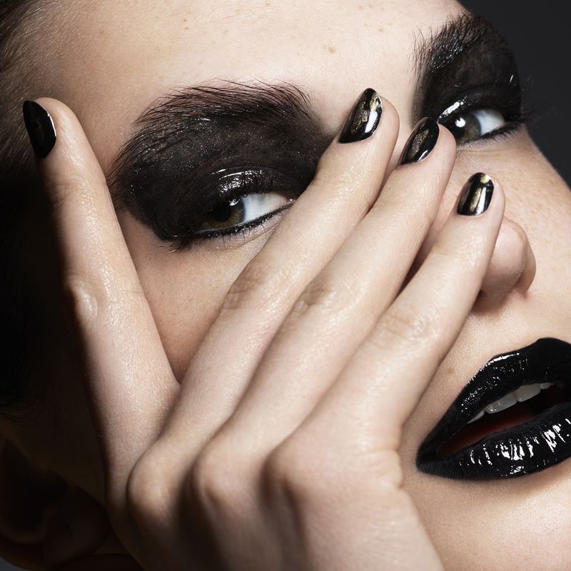 Rankin x HungerTV - Dark Romance + Graphic Beauty