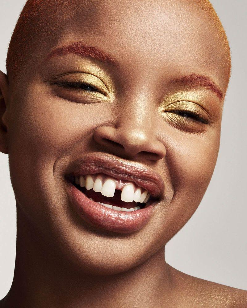 How To Get Fenty Beauty's Facebook Filter & Try On Rihanna's Fav Highlighter
