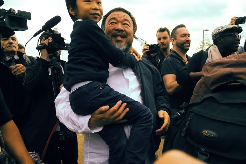 ID MAGAZINE : on the march with anish kapoor and ai weiwei