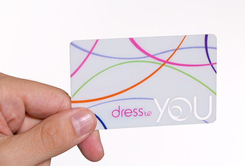 Dress to Visual and Store Identity