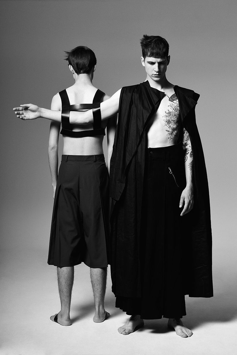 Loop, fashion editorial for Vulkan Magazine