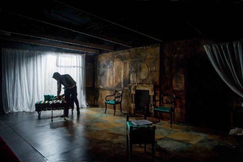 The Notorious mrs ebbsmith/Scenic artist