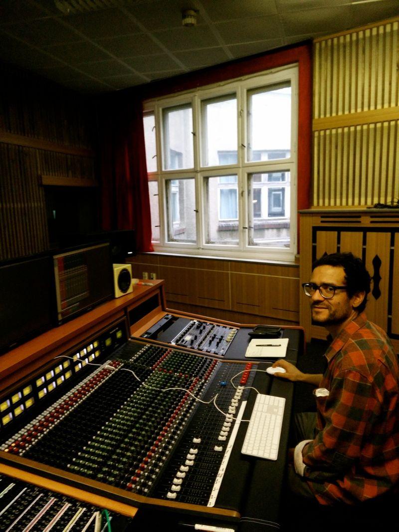 Sound Re-recording Mixer / Sound Designer / Mix Engineer