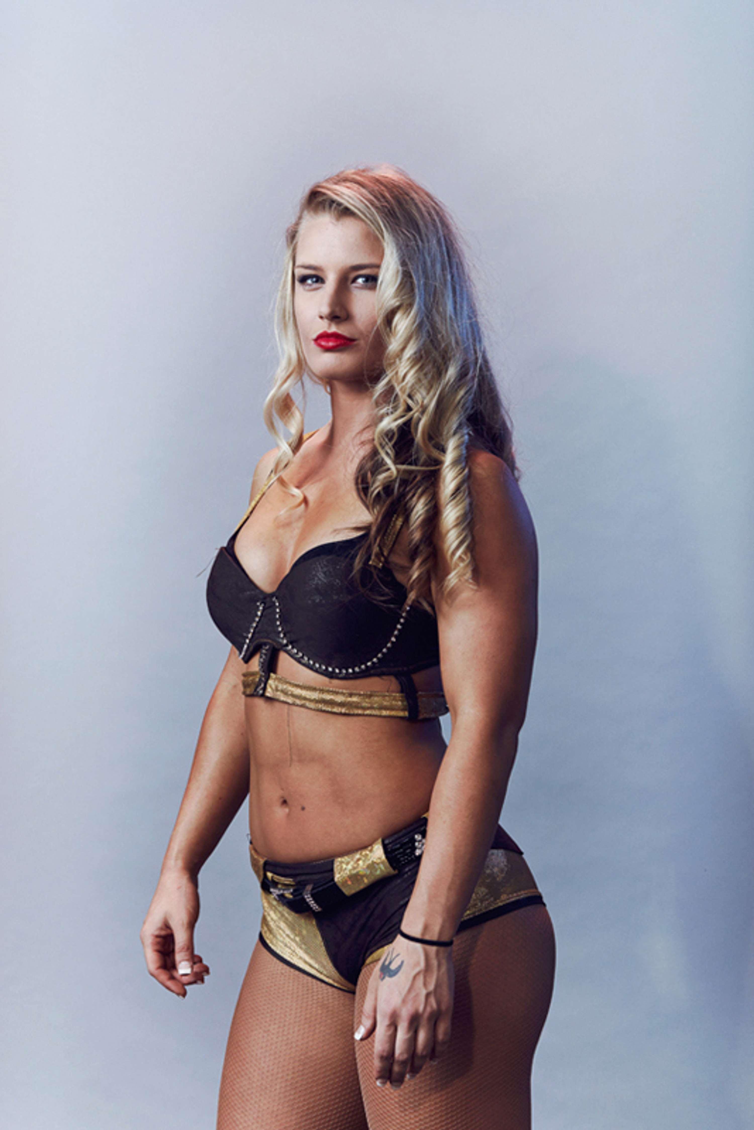 UK Female Wrestlers | The Dots