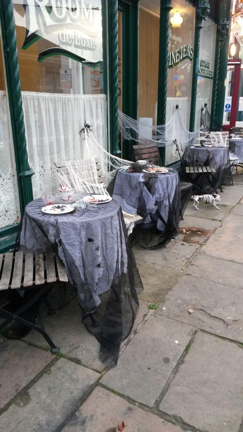 Preston Park Table Dressing