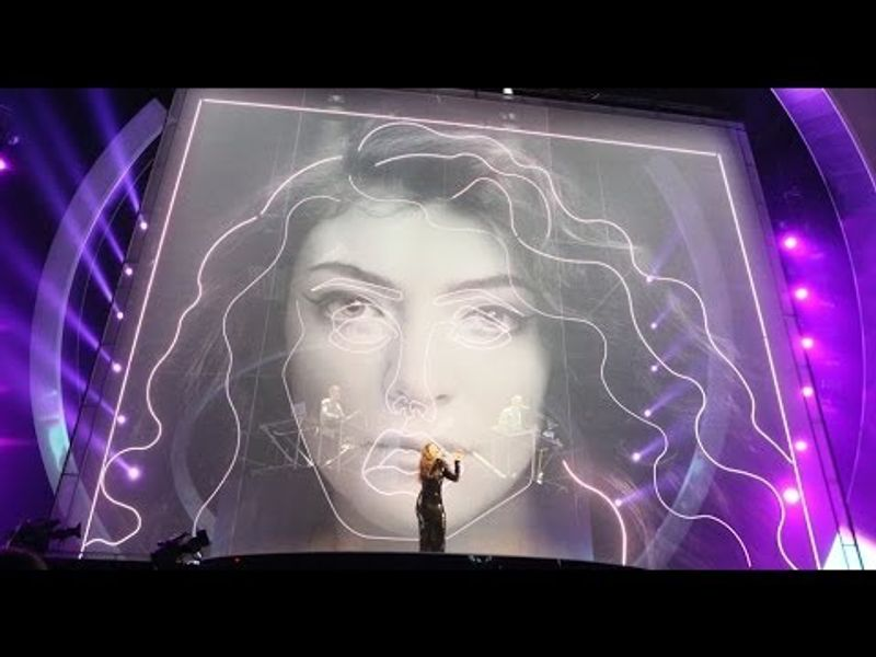 Disclosure, Lorde and AlunaGeorge perform 'Royals/White Noise' | BRIT Awards 2014